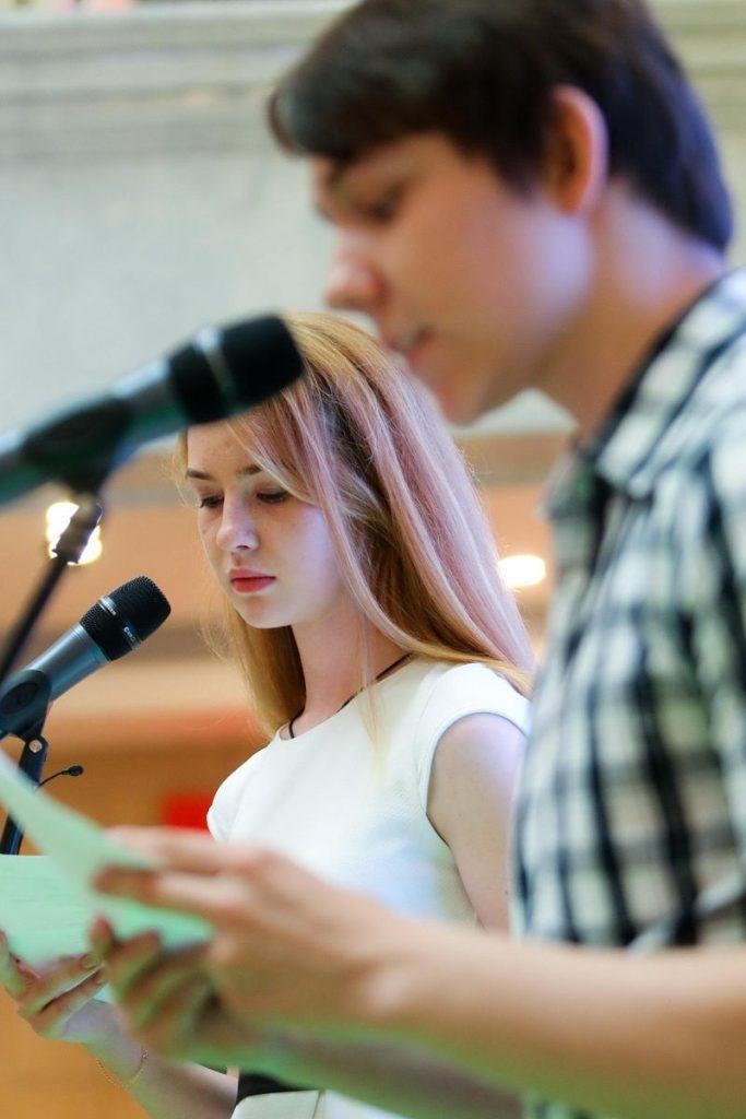 Аня Дурнева и Дима Королев/ предоставлено чемпионатом по чтению «Страница…»