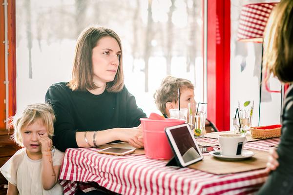 Анна Десницкая с детьми