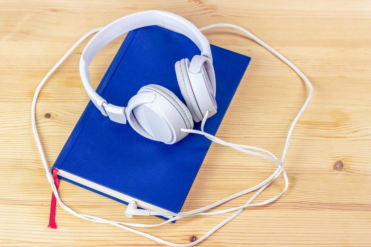 7 аудиокниг в жанре фэнтези, которые помогут отвлечься от реальности