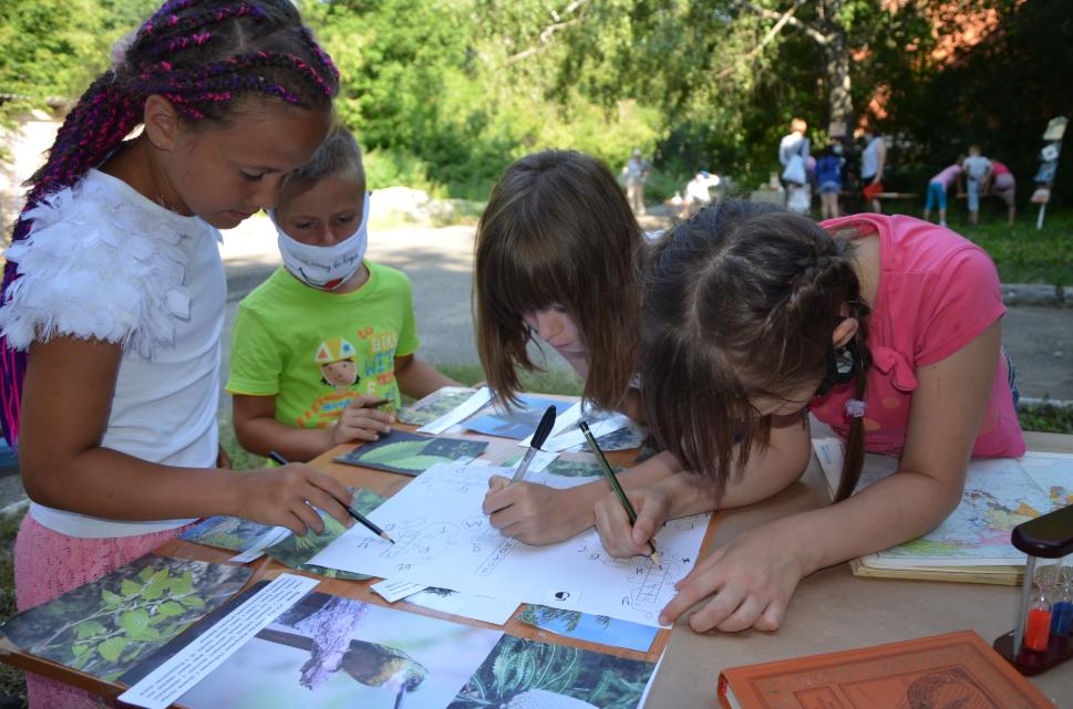 Пензенской библиотеке для детей и юношества стартовал сезон книжных пикников