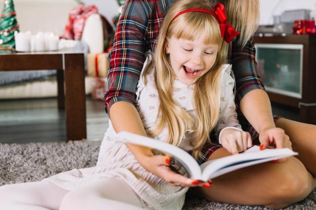 Семейное чтение. Freepik